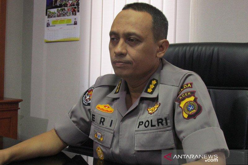 Polisi tangkap empat tersangka  pecah kaca dan pencurian uang Rp100 juta