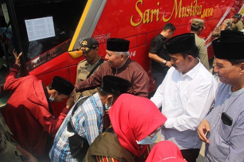 150 haji Tanjabbar disambut di alun-alun Kualatungkal