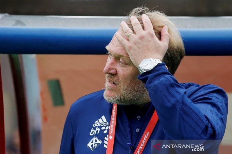 Robert Prosinecki, pelatih Bosnia mundur usai dikalahkan Armenia