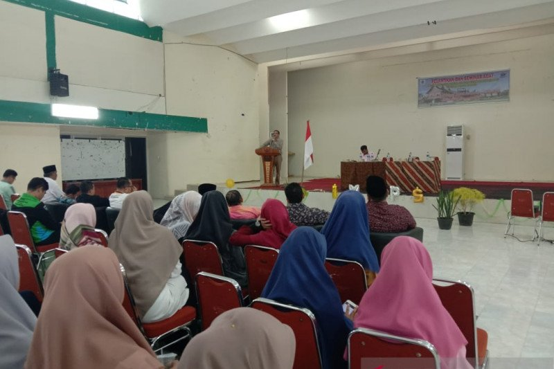 Hendrajoni paparkan kemajuan daerah ke mahasiswa UIN Imam Bonjol