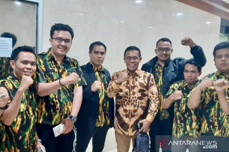 Angkatan Muda Partai Golkar  adukan Kapolres Jakbar ke DPR
