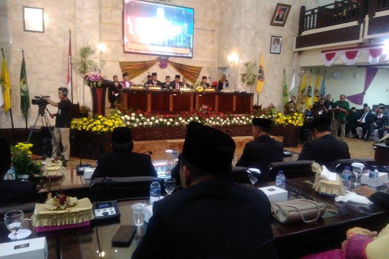 Golkar dan PDIP pimpinan sementara DPRD Kalimantan Selatan