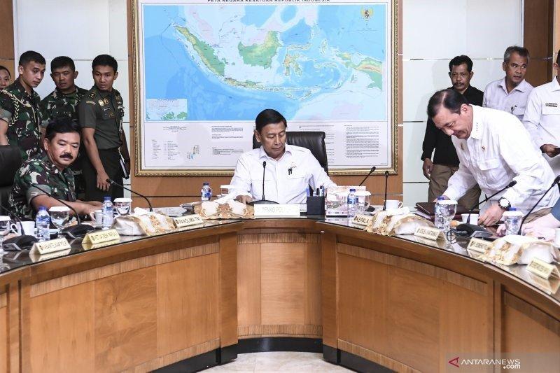 Wiranto: TNI siapkan pesawat Hercules untuk angkut pelajar Papua