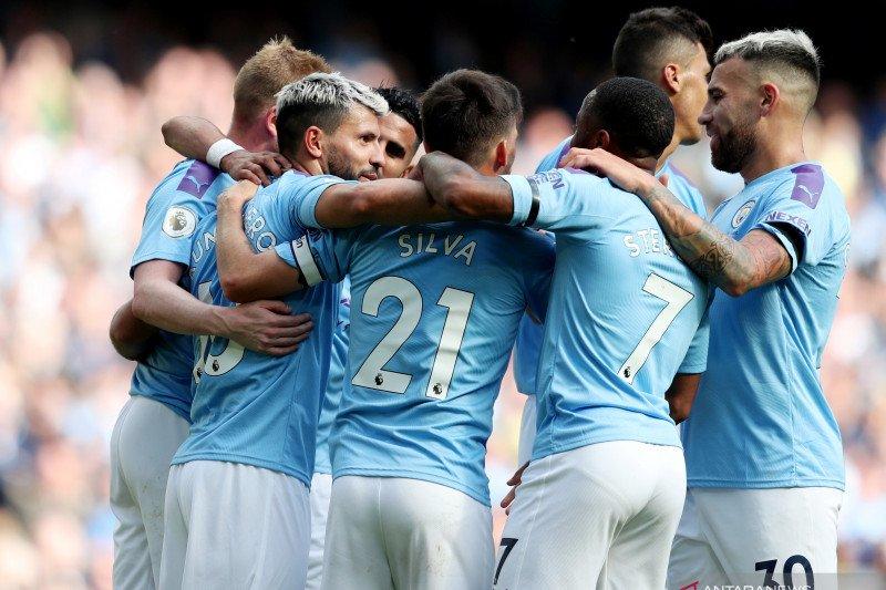 Manchester City jadi tim pertama yang belanja pemain tembus 1 miliar euro