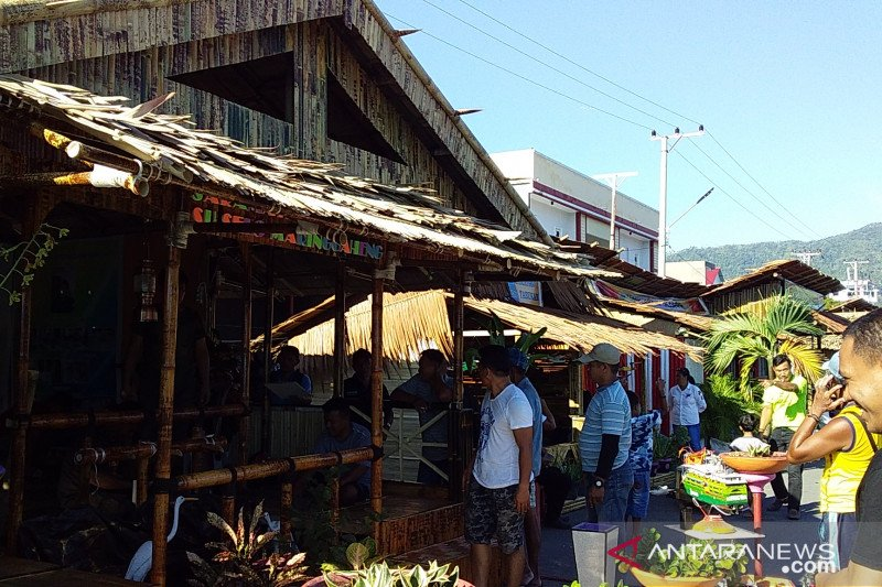 Stand pameran pembangunan di Kepulauan Sangihe pakai bahan lokal