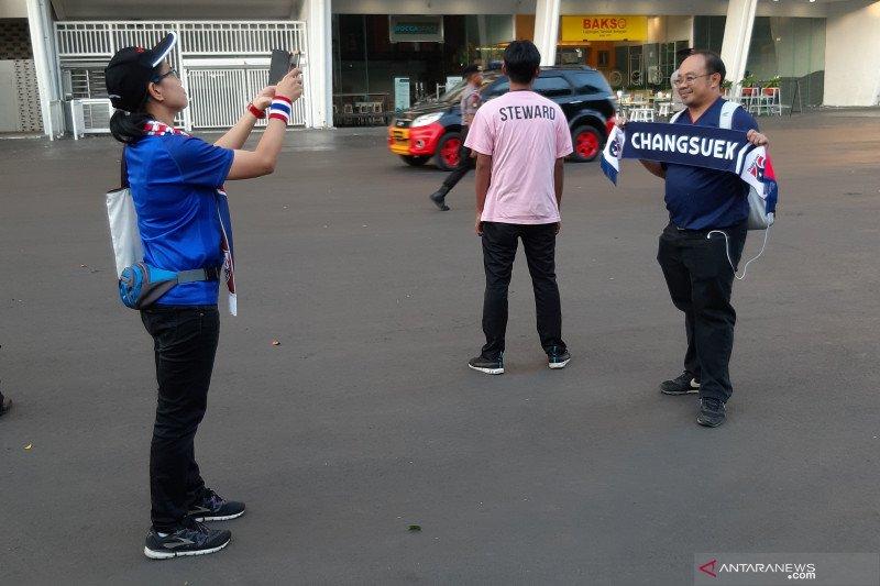 Pengamanan ketat SUGBK membuat suporter Thailand takjub