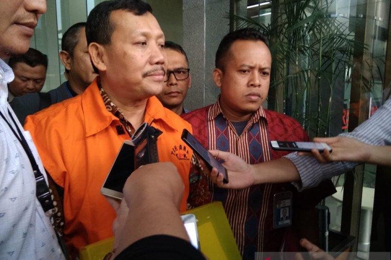 KPK panggil tiga saksi untuk tersangka Iwa Karniwa