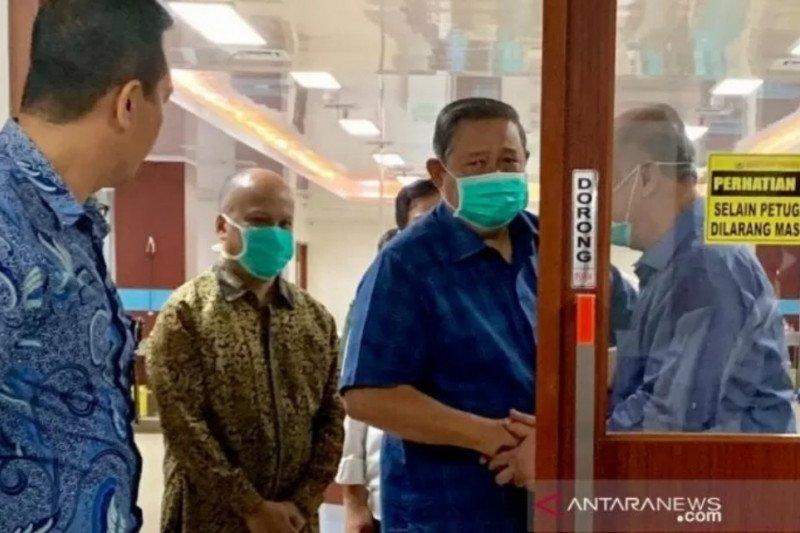 SBY Jenguk Habibie