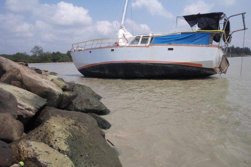 Penumpang kapal yang terdampar di perairan Lampung Timur diduga WNA