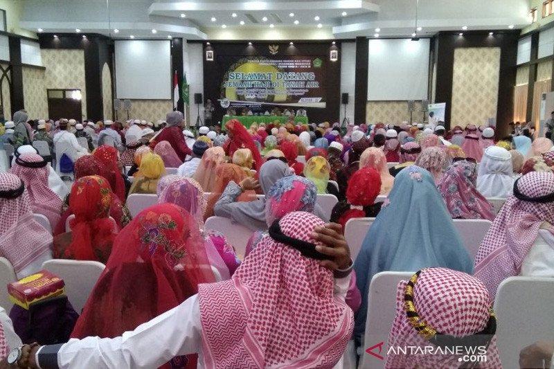 Jamaah haji Kloter 32 asal Maros dan Takalar tiba di Makassar