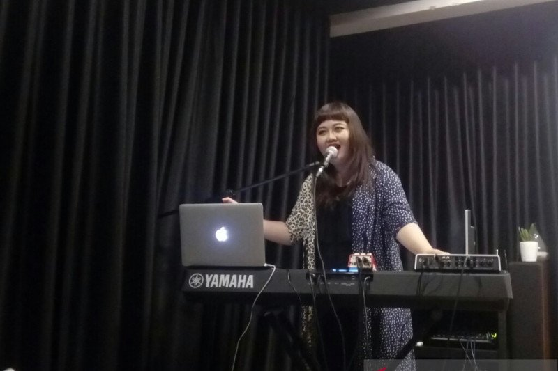 "Riani Sovana luncurkan video musik ""Aku Tak Setia"""