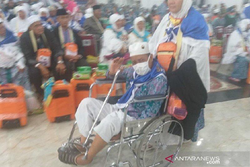 Rombongan haji Kloter 17 Debarkasi Medan kembali dengan selamat