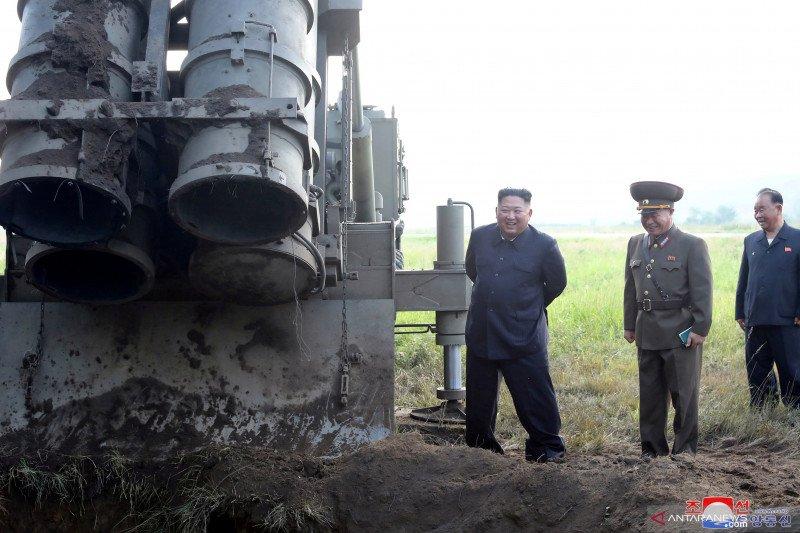 Korea Utara tembakkan dua proyektil yang diduga rudal balistik