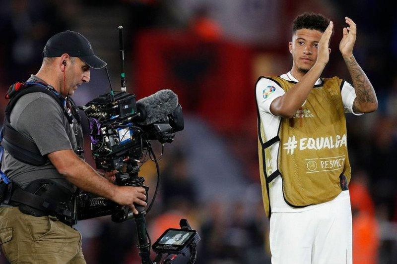Sancho dedikasikan gol perdana timnas Inggris untuk neneknya