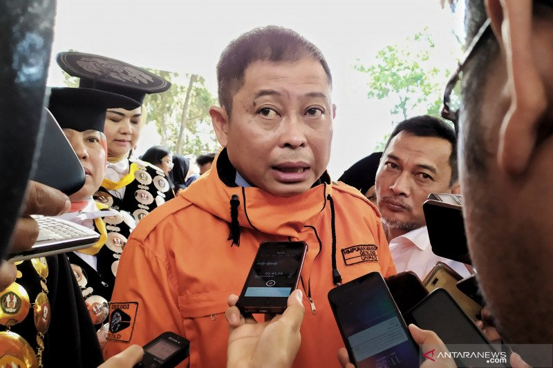 Energy Minister resolves to electrify Indonesia 100 percent by 2020.