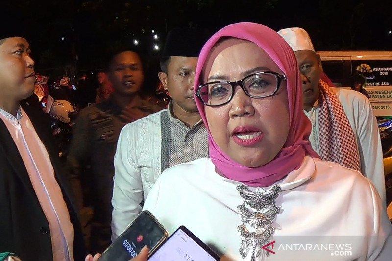 Bupati Bogor kibarkan Bendera Merah-Putih setengah tiang