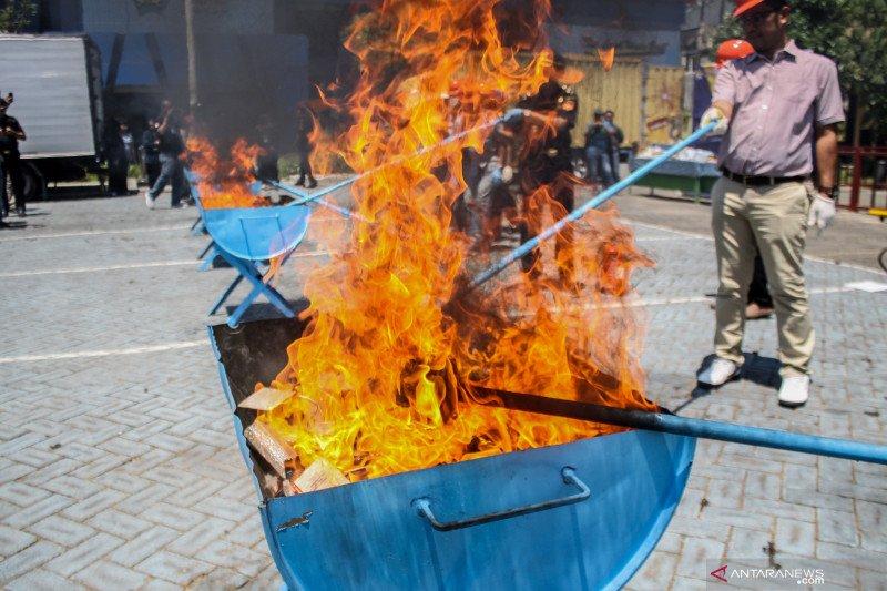 Bea Cukai Juanda musnahkan barang hasil tegahan
