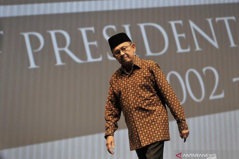 BJ Habibie, pemersatu cendekiawan Muslim Indonesia