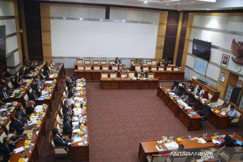 Komisi I minta anggaran pendapatan staf lokal perwakilan RI dinaikkan