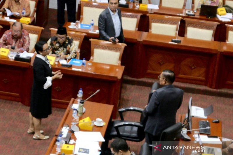 DPR minta Menteri Luar Negeri tugaskan dubes awasi Benny Wenda