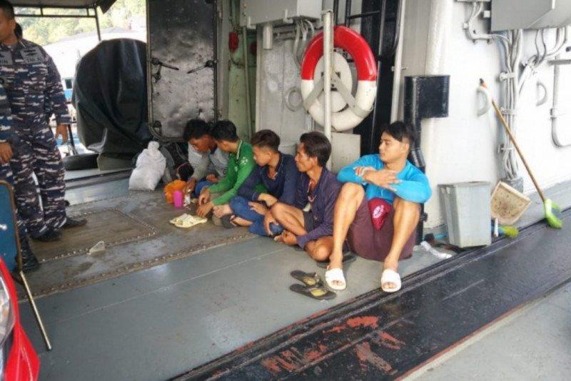KRI CND-375 tangkap kapal pencuri ikan berbendera Vietnam