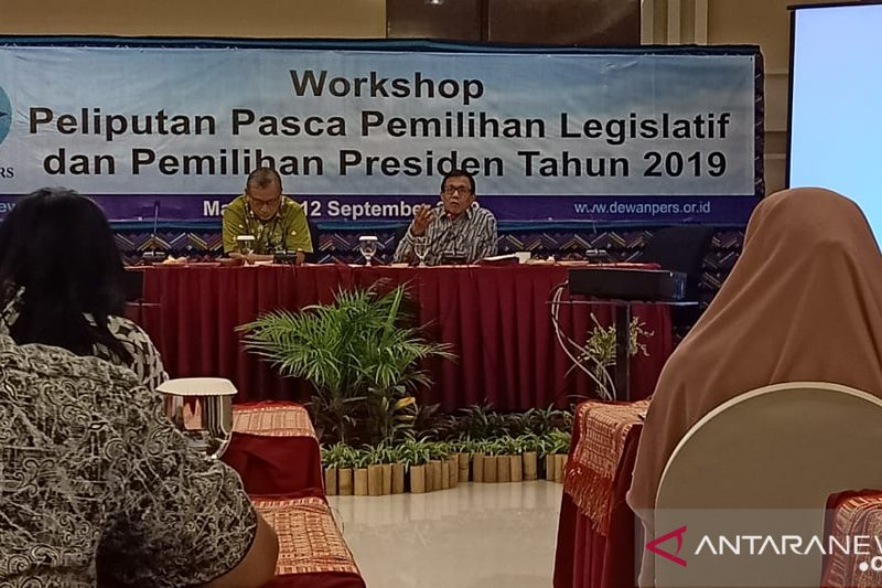 Dewan Pers mengdukasi wartawan NTB tentang peliputan pemilu