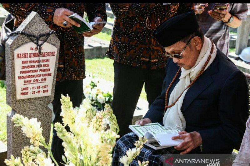 Warga Bugis perantauan di Lampung Timur kehilangan Habibie