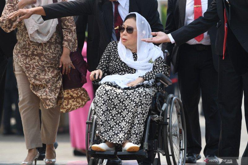 Cerita Sinta Nuriyah Wahid diberi kurma BJ Habibie