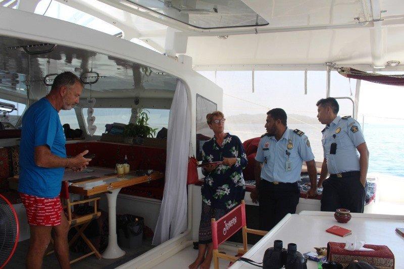 Imigrasi Mamuju pastikan WNA awak kapal yacht miliki dokumen resmi