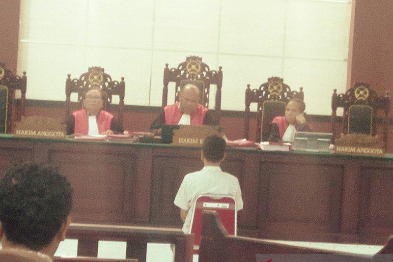Perantara narkoba divonis selama 10 tahun di Ambon