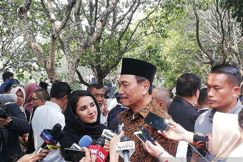 Luhut kenang diminta Habibie perbaiki hubungan Indonesia-Singapura