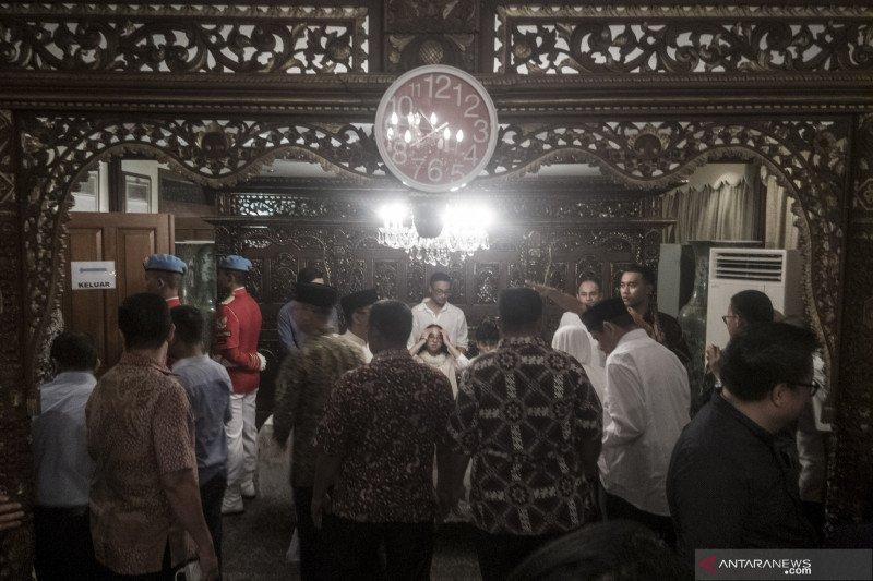 BJ Habibie wafat, jamaah dan petugas haji shalat gaib di Madinah