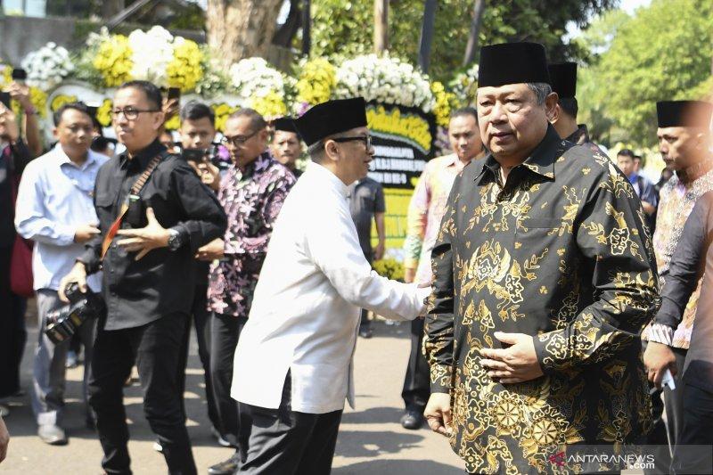 BJ Habibie wafat : SBY melayat ke rumah duka