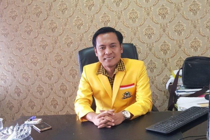 Golkar Surabaya : BJ Habibie pengawal transisi demokrasi Indonesia