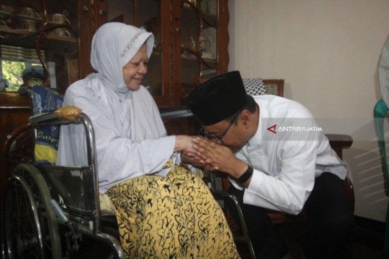 Rhoma Irama sampaikan duka cita atas meninggalnya pedangdut senior Ida Laila