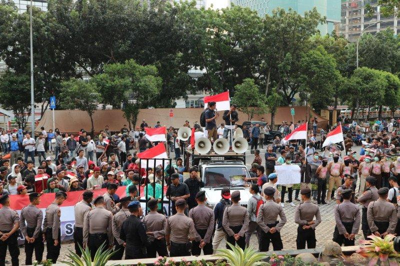 Pimpinan baru KPK, pengunjuk rasa bubarkan diri dengan tertib