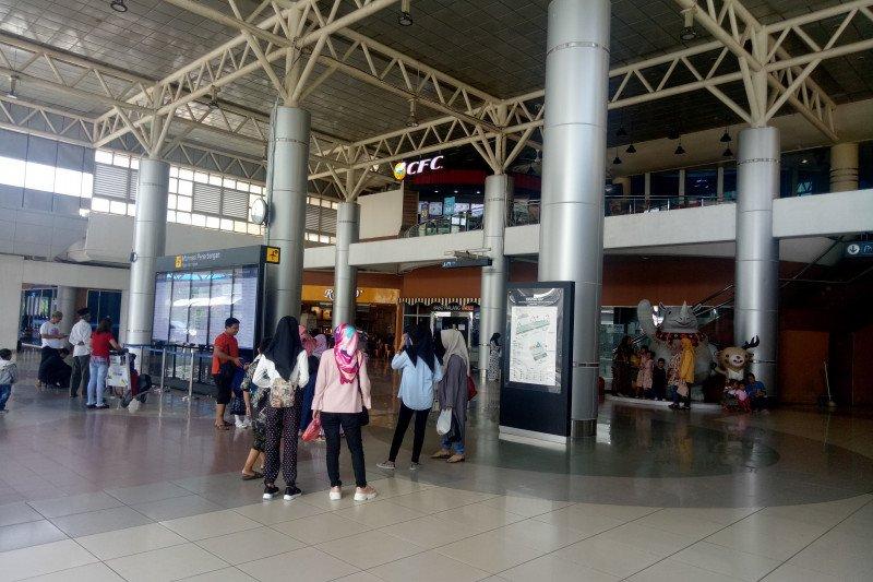 Kabut asap mulai ganggu  penerbangan di Bandara SMB II Palembang