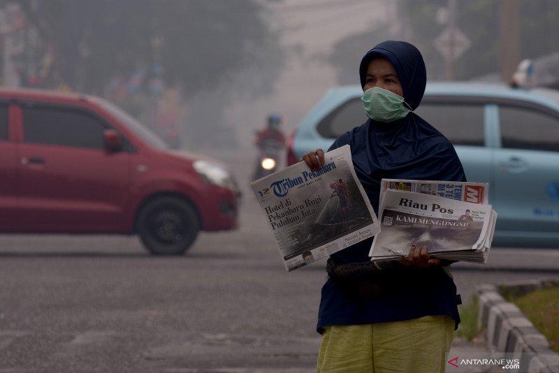 Karhutla Riau - Kabut asap kian pekat, polusi udara di Riau makin berbahaya