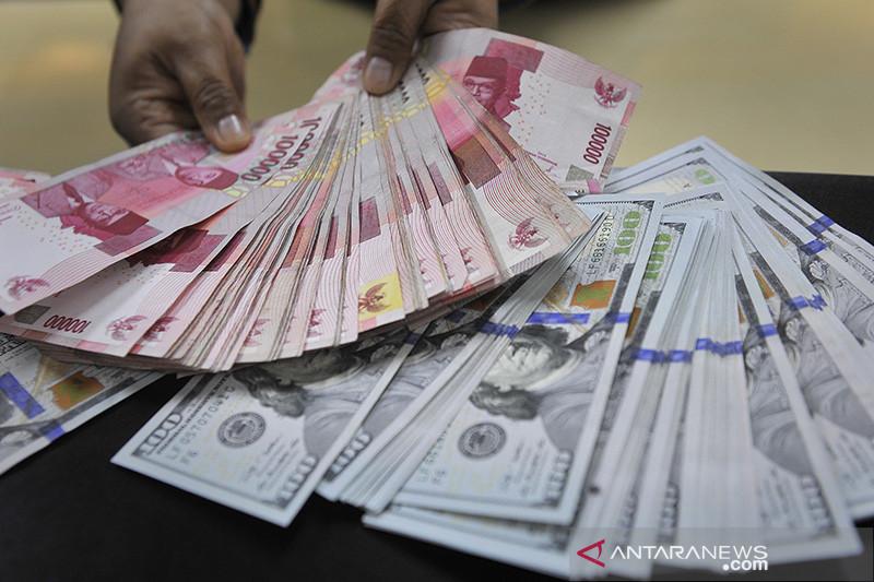 Kurs rupiah ditutup melemah terseret tensi di Timur Tengah