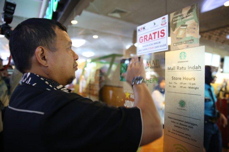 KPK bersama Pemkot Makassar pasang alat perekam pajak