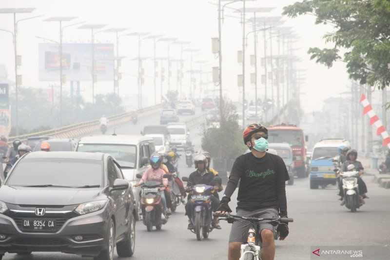 Haze covers Banjarmasin does not disturb