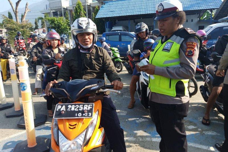 Polisi menilang 58 pengendara di Sentani