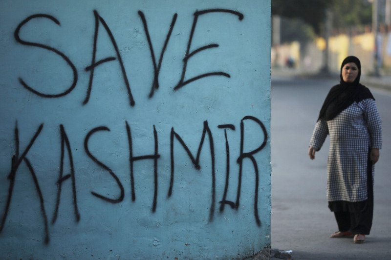Tentara India dan sipil Pakistan tewas saat bentrok Kashmir