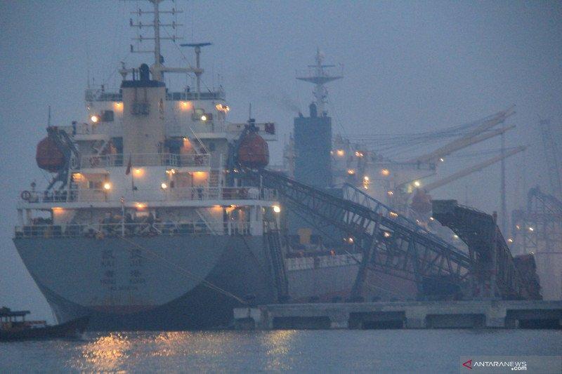 Akibat kabut asap, Kemenhub pun tunda uji coba Kapal Roro di Dumai