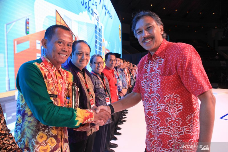 Tanah Laut wins WTN award from Ministry of Transportation