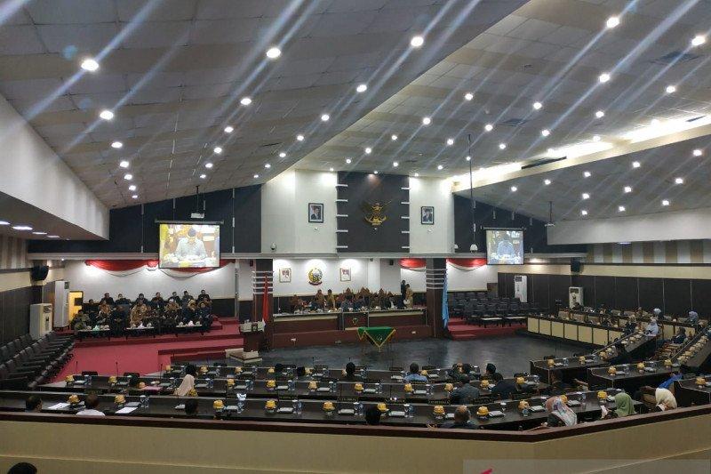 DPRD bersama Gubernur Sulsel setujui tiga ranperda