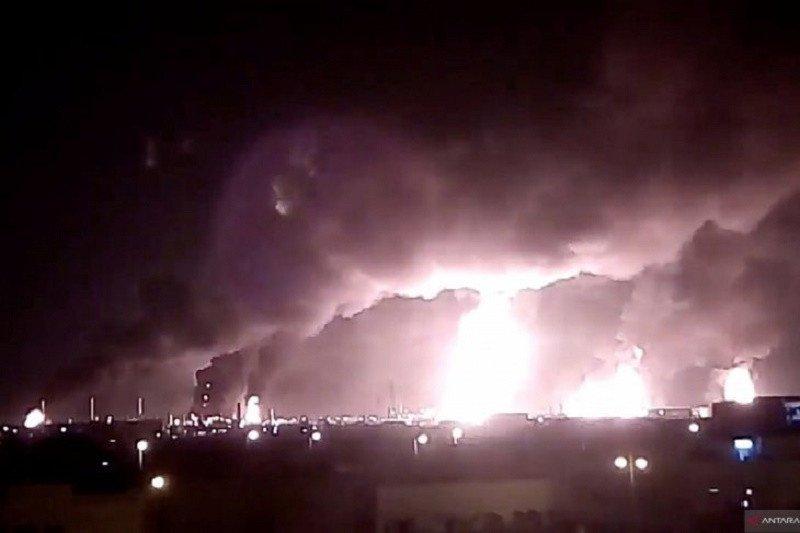 Kilang minyak Saudi dibom, Indonesia kecam serangan dan serukan dialog