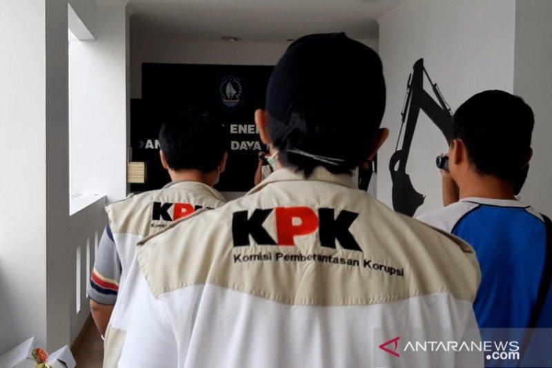 KPK geledah kantor Dinas PUPR, Pendidikan dan Pariwisata Kepri
