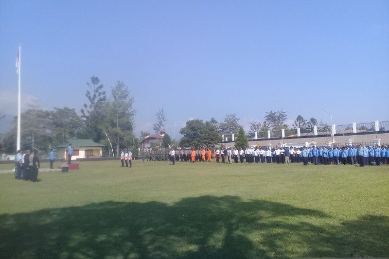 Bupati Jayawijaya minta insan perhubungan darat-udara tingkatkan pelayanan