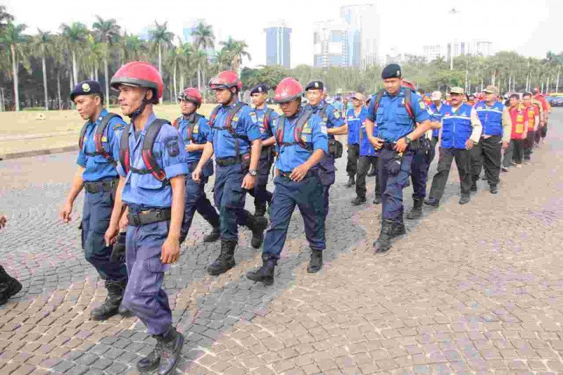 65 Satgas Karhutla DKI berangkat ke Riau